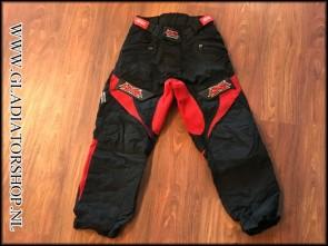(O) DXS broek zwart / rood maat L